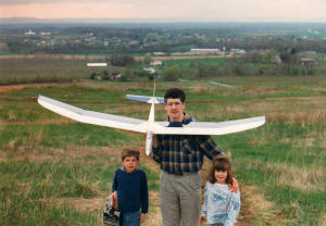 Kirt, Philip & Sally Blattenberger with Great Planes 2-Meter Spirit on slope in Smithsburg, MD (c.1992) - Airplanes and Rockets