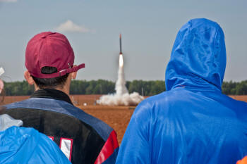 Rockets Away! More Than 500 Students Participate in NASA Student Launch Projects Challenge - Airplanes and Rockets