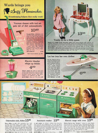 Suzy Homemaker Items, 1967 Montgomery Ward Christmas Catalog - Airplanes and Rockets